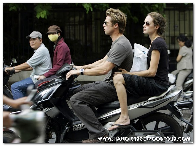 Hanoi street food tour by Scooters