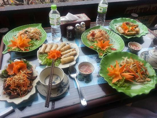 Hanoi street food tourshanoi drink tourold quarter walking tour street food cooking class tour 29 forumfinder Gallery